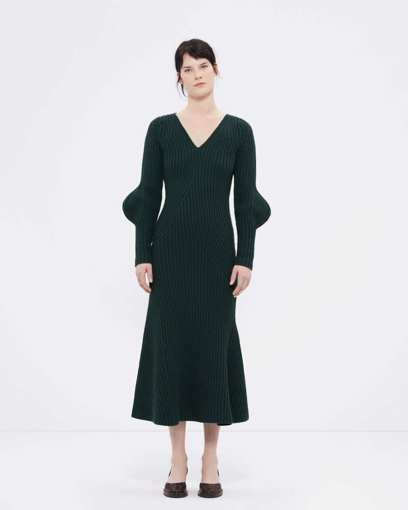 Knitted dress with organic ribs in sea moss green